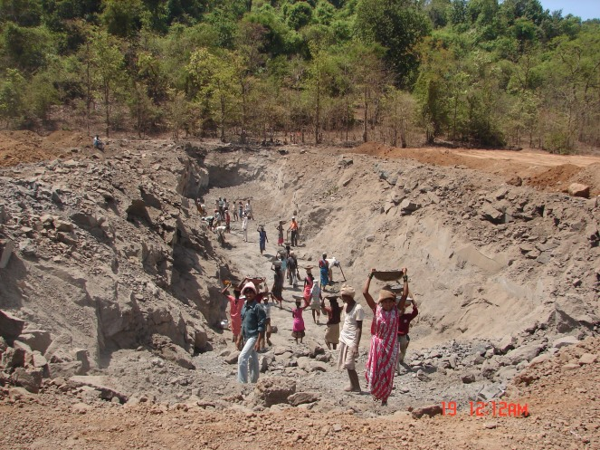 Illegal Work on Kalu Dam Site by FA Constructions Photo: SANDRP, May 2011