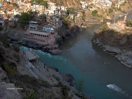 DevPrayag: Confluence of Alaknanda and bhagirathi Threatened by Kotli Bhel I A, IB and II Projects. Photo: Wikimedia