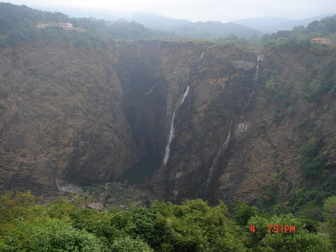 Jog Falls on Sharavathy: Dried and diverted by the Linganmakki HEP in Karnataka Western Ghats. Photo: SANDRP