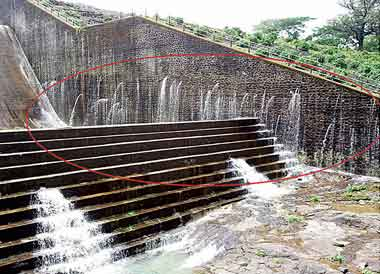 Leaking Khadkhad dam Mahrashtra Western Ghats Photo: Pune Mirror