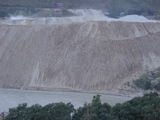 Muck Disposal directly into the Alaknanda river by Srinagar Project Photo: Matu janSangathan