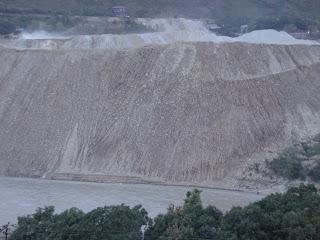 Muck Disposal directly into the Alaknanda river by Srinagar Project Photo: Matu janSangathan
