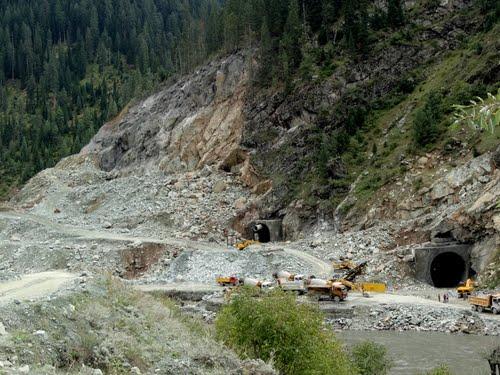 Tunnelling at the 330 MW KishenGanga HEP, Gurez, Jammu and Kashmir Photo: Panoramia.com