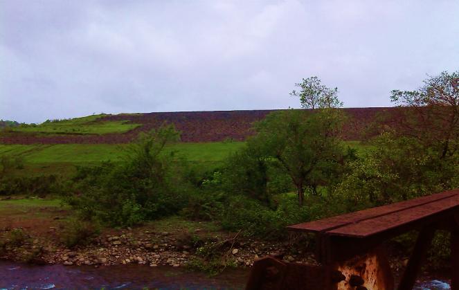Work at Nardawe Dam Photo: Damodar Pujari