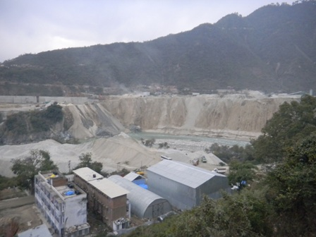 Mountains of Muck generated by under construction 330 MW Shrinagar Hydel Project