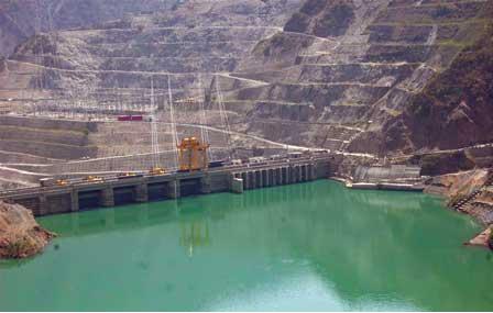 97.5 m high Koteshwar Dam 20 km downstream of Tehri dam (photo: hydroworld.com)