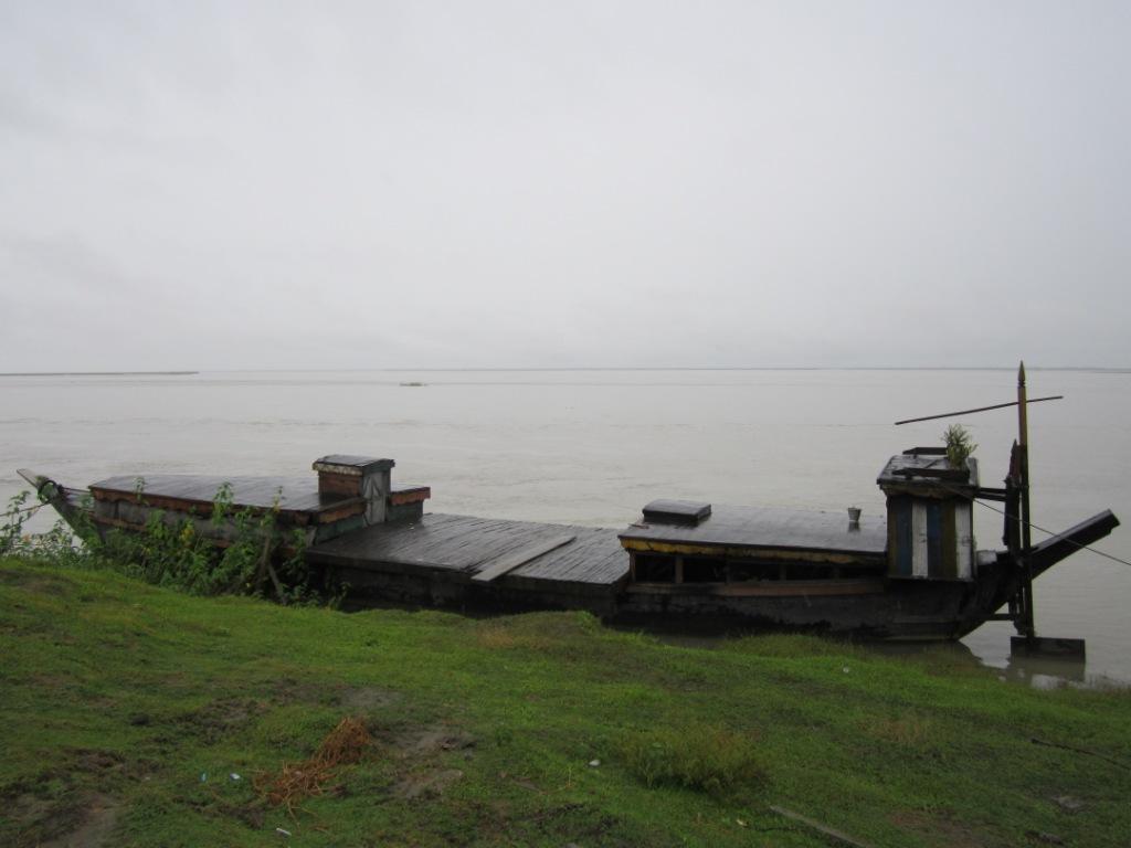 The Brahmaputra during monsoon in Matmora, Dhakukhana Sub-division, Lakhimpur District, Assam.  Photo – Parag Jyoti Saikia, SANDRP
