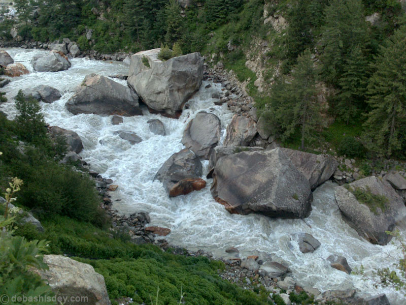 The beautiful Baspa River, a tributary of Satluj in himachal Pradesh. A river renowned for its scenic beauty and spectacular fish. now thretened by 300 MW Baspa II Hydel Project, without fish ladders or passes. Photo: Debashsih Dey