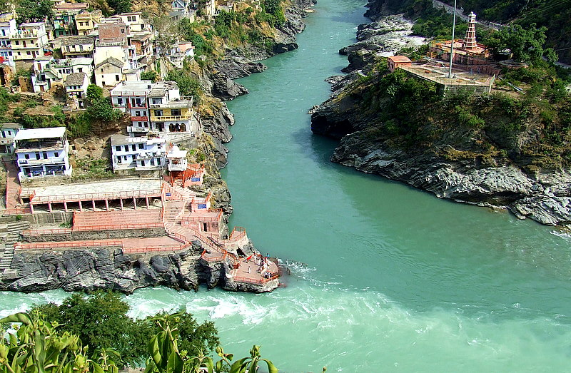 DevPrayag, confluence of Alaknanda and Bhagirathi Rivers, forming Ganga, threatened by Kotlibhel dam projects. Photo: trekearth.com