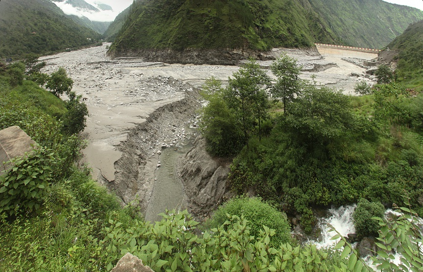 Stitched photo of the bed of the drained Dhauliganga reservoir  Source: Author