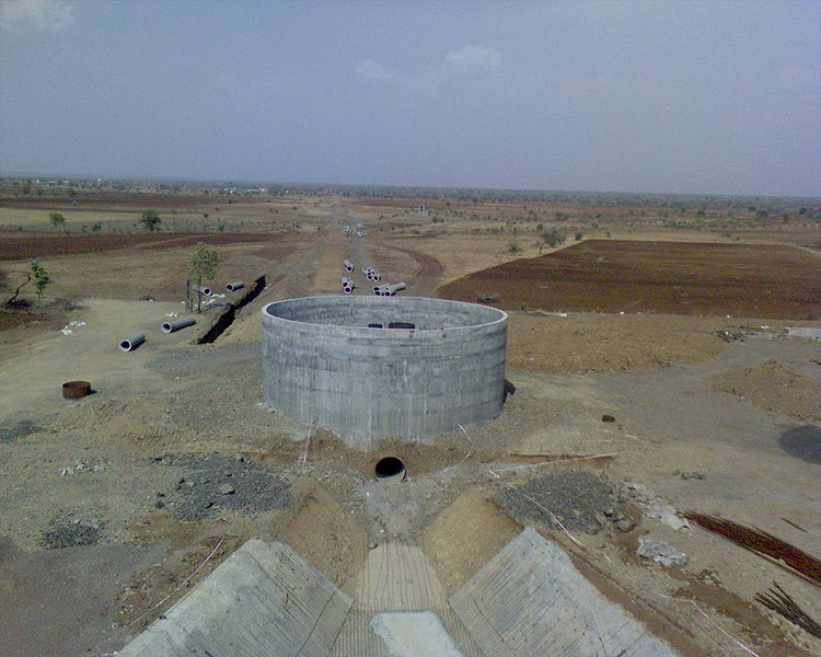 One of the several incomplete Lift Irrigation schemes in Vidarbha, Maharashtra. Courtesy: Wikipedia