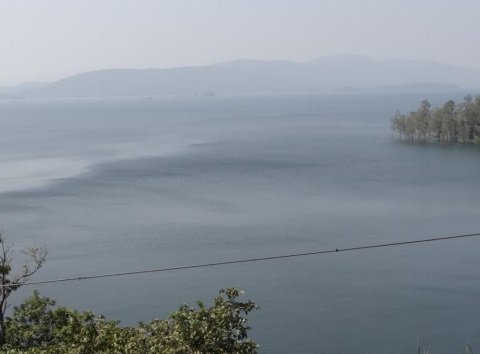 Extensive submergence of the Supa Dam Photo: Author
