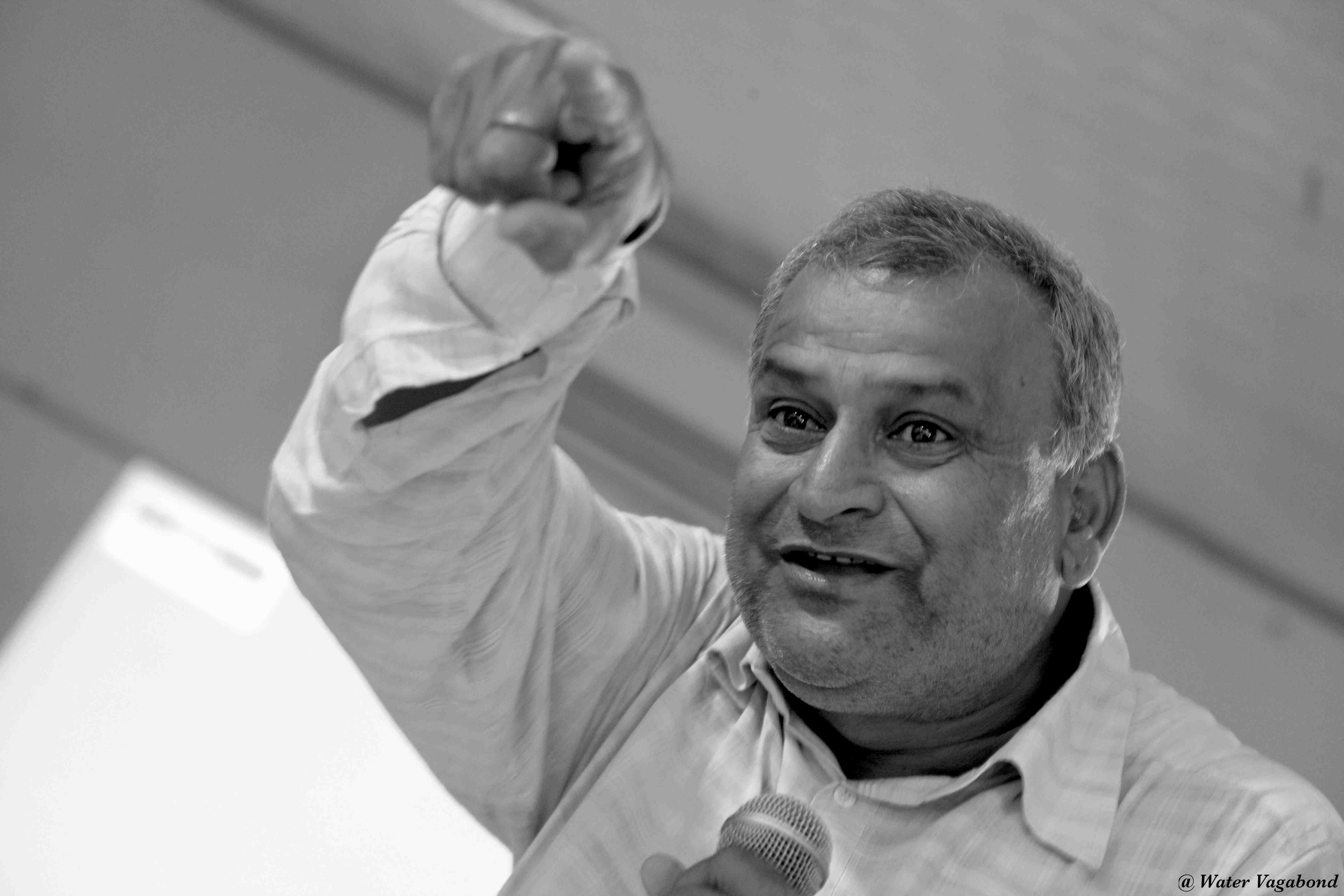 Activist Shashi Shekhar Speaking at a workshop in Patna