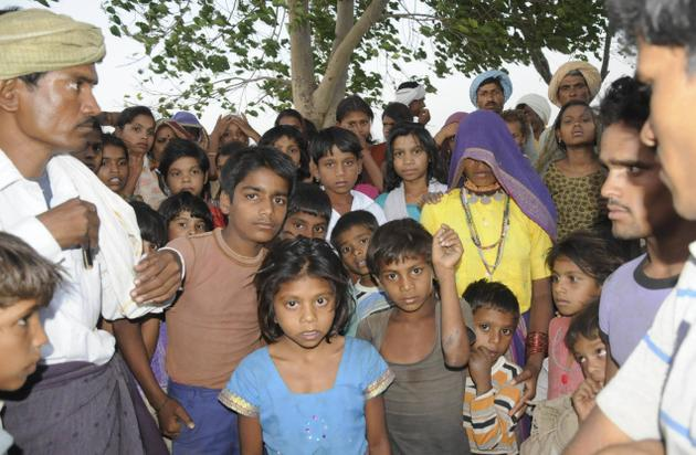 Affected tribal population of the Kharak Dam in Khargone District who were brutalised by police force for peacefully protesting against the dam Photo: The Hindu