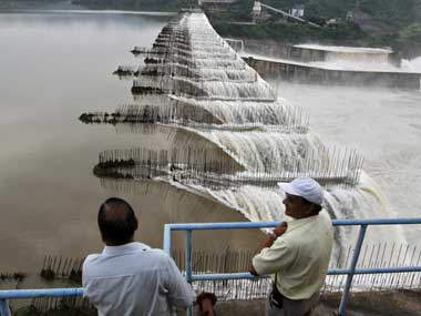 Overflowing Sardar Sarvor Dam in Monsoon 2013: Source: PTI