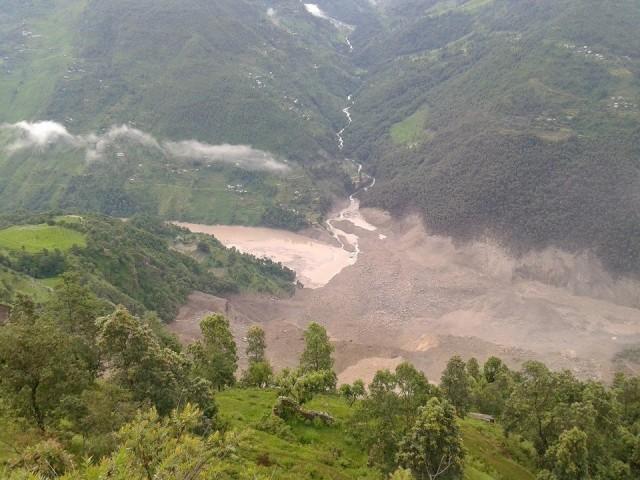 Massive landslide blocks Sunkoshi River, Downstream Nepal-India under threat; (4/6)