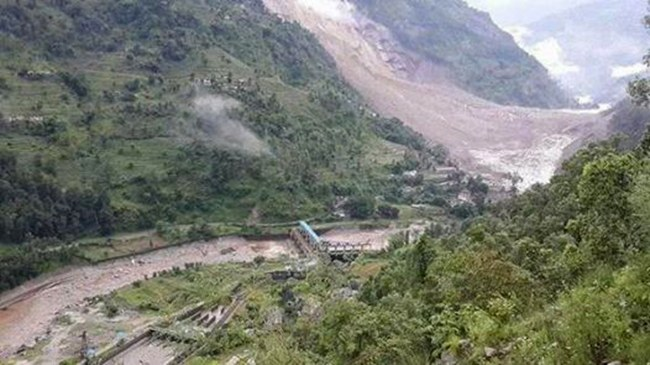 Landslide and the dam photo courtesy onlinekhabar.com