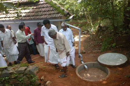 Community driven well recharge Program in Kerala, linked with rainwater harvesting Photo: http://arghyam.org/focus-areas/mazhapolima-a-community-based-open-well-recharge-programme/