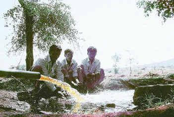 Polluted Water in Borewell due to a polluting distillary in Karnataka Photo: Frontline