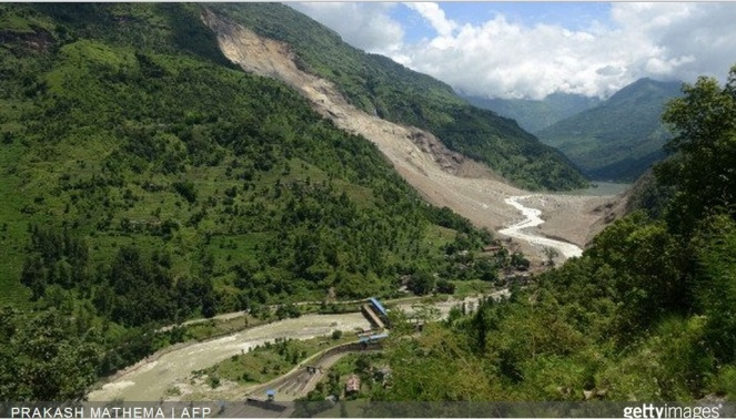 Sunkoshi flowing from Landslide dam Aug 5 2014, Photo Courtesy Circle of Blue