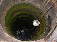 Traditional Well in Kerala, pic from carbon-based-ghg.blogspot.in