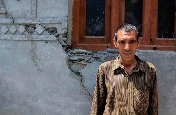 Cracks in the house of Shri Baija Ram due to Tarela Project in Alwas village