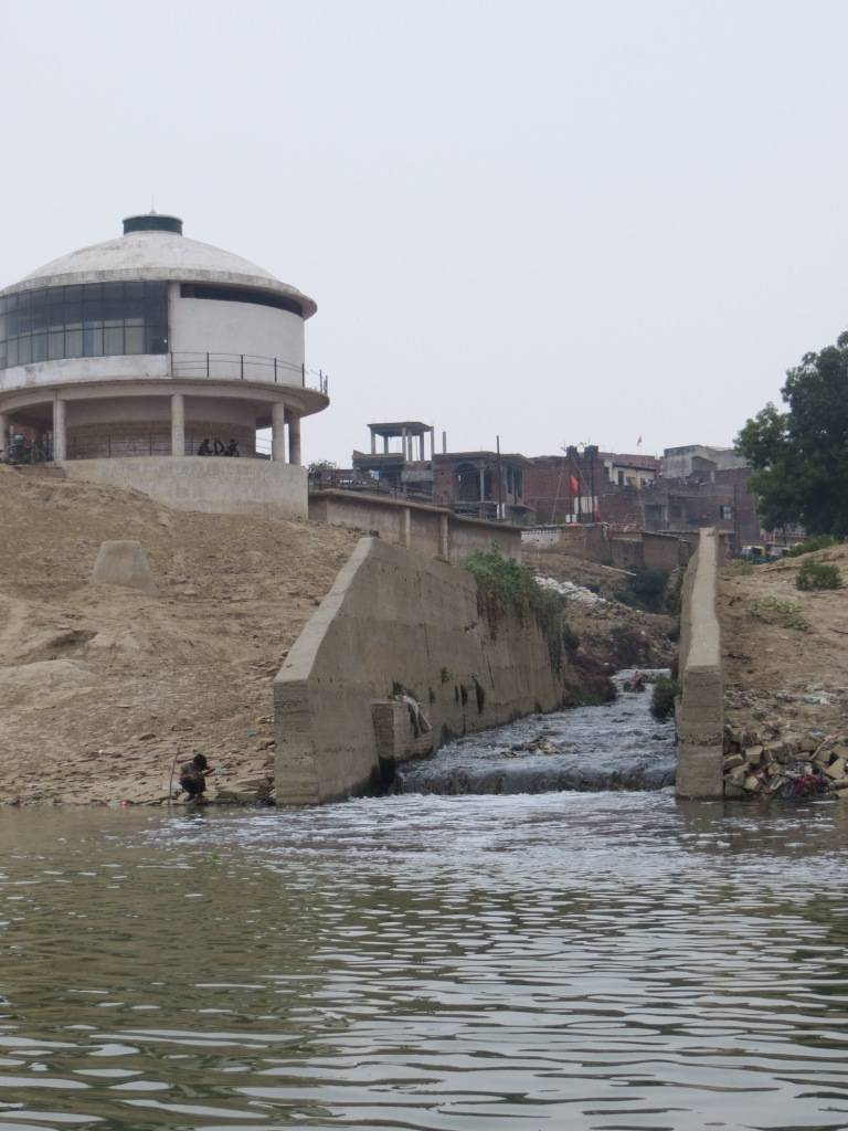 Nagwa wastewater drain, near the confluence of the Assi and Ganga and upstream of Assi ghat and the raw (drinking) water intake point for the city. The non-functioning Nagwa pumping station is in the background