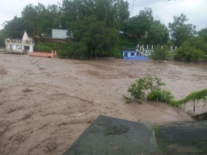 Flood image from Vinay Saraf's Facebook post