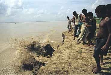 Erosion and its impacts Photo: Jaideep Mazoomdar, Outlook