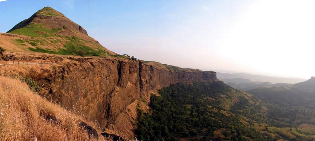 Bramhagiri range of Western Ghats where Godavari originates Phot from: shritribakeshwar.blogspot.com