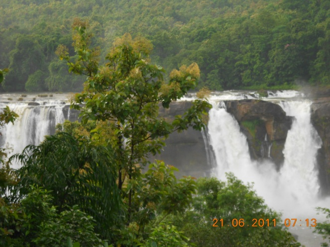 The Athirappilly Falls Photo: Himanshu Thakkar