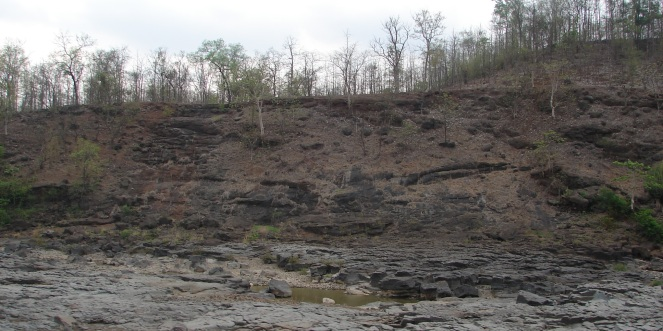 Dry Ambika River bed on Gujarat-Maharashtra border Photo: Parineeta Dandekar