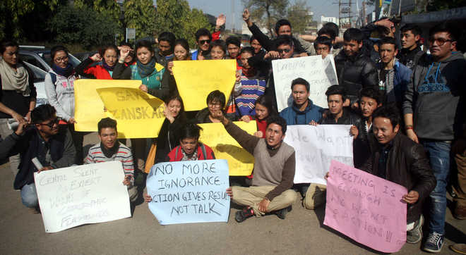 Ladakh students protest on Feb 4 in Jammu against government inaction on Zanskar River Blockade (Photo from Tribune)