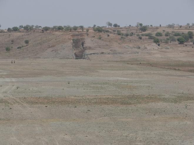 Half completed wall of the Khuntephal/Ashti Storage Tank, part of the Krishna Marathwada Project. Photo: Parineeta Dandekar
