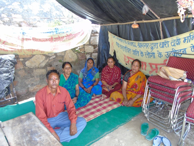 Villagers protesting outside Dhari Devi temple (Photo by Author taken on 05.05.2015)