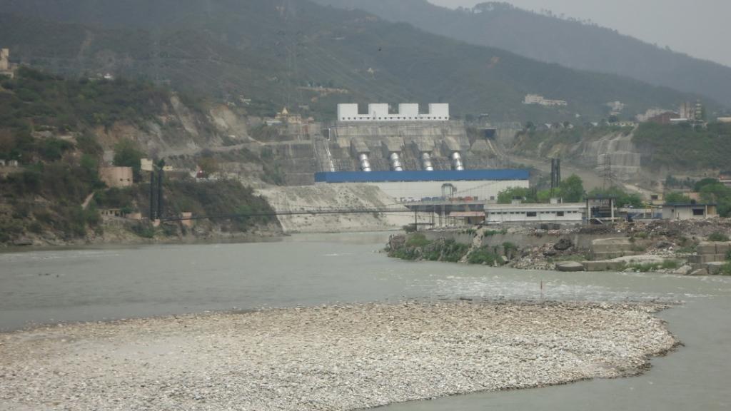 चित्र-1  श्रीनगर जलविद्युत परियोजना का विद्युत गृह (सभी चित्र लेखक द्वारा)