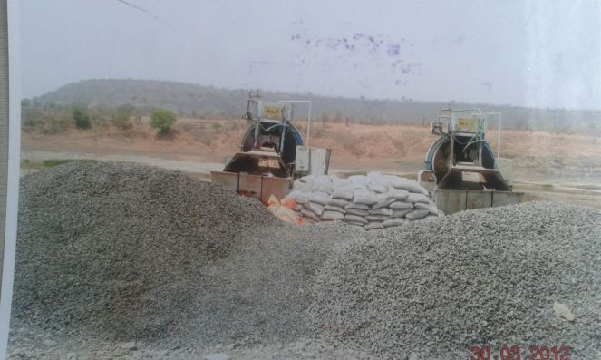 Another photo of illegal construction at the dam site in 2012 (Photo: Nimn Penganga Dharan Virodhi Sangharsh Samiti)