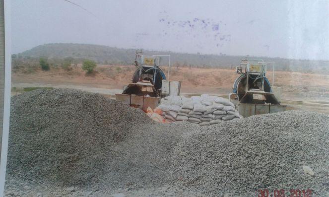 Another photo of illegal construction at the dam site in 2012 (Photo: Nimn Penganga Dharan Virodhi Sangharsh Samiti)