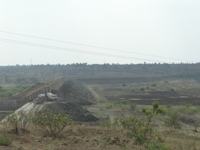 Dry Mehekari Dam in Beed, Marathwada. April 2015 Photo: Parineeta Dandekar