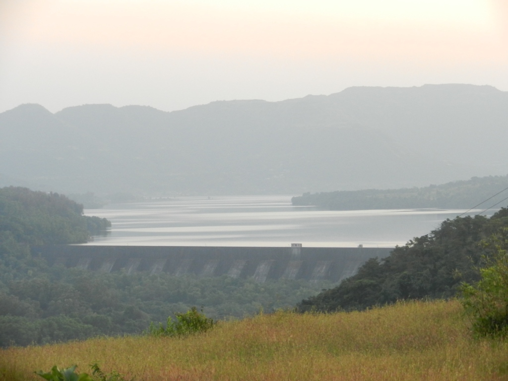 The huge Mulshi reservoir with Designed Live Storage of 553 MCM, higher than Panshet/Varasgaon/ Chaskaman/Dimbhe or Neera Deoghar Photo: Parineeta Dandekar