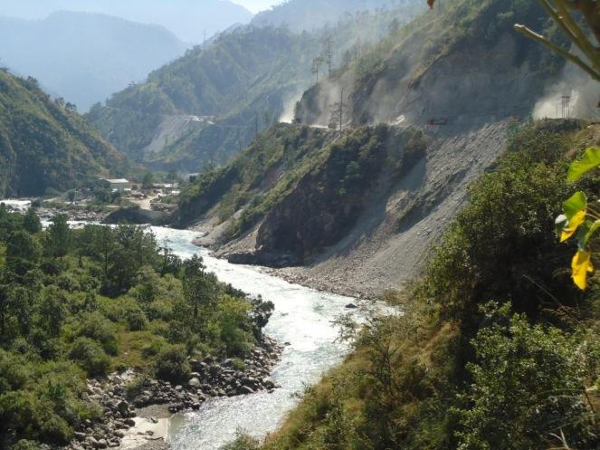 Muck entering the Punatsangchu river 1114