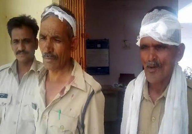 IndiaTvb246cb_sand-mafia-attack
