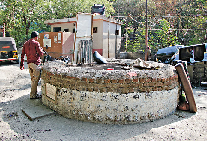 Figure 6: Ill maintained bug wells in the city (Photo: The Golden Sparrow)