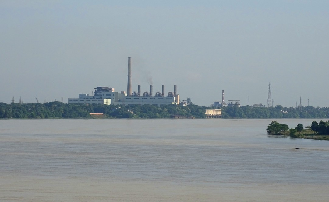 Bandel Thermal Power Plant on bank of River Hooghly in Tribeni, West Bengal (Photo Debadityo Sinha)