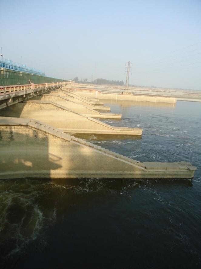 Narora Barrage (Photo by SANDRP)