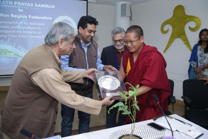 Anupam ji giving away BPS award to Lobsang Gyatso of Tawang (Arunachal Pradesh) along with Delhi Water Minister Kapil Mishra at India Rivers Day 2015