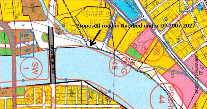 Road proposed in riverbed under DP 2007-2027 (Source: Sarang Yadwadkar)