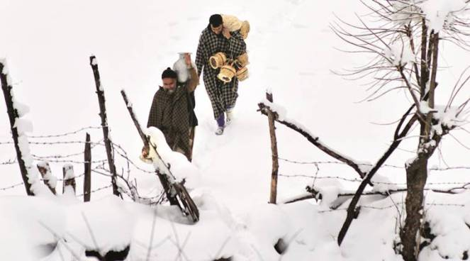 heavy-snowfall-at-harwan-in-srinagar-on-jan-17