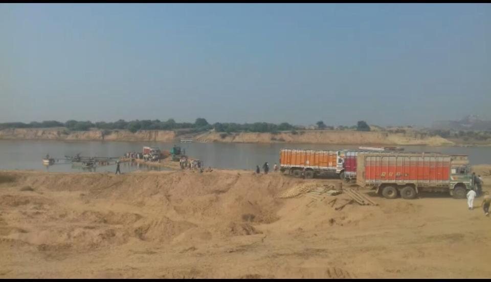 Image result for illegal Mining trucks Nagpur