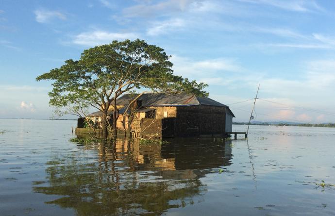 pic-moulvibazar-flood-690x445